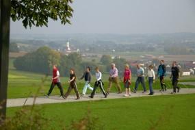 Nordic Walking mit unseren Sporttrainerinnen